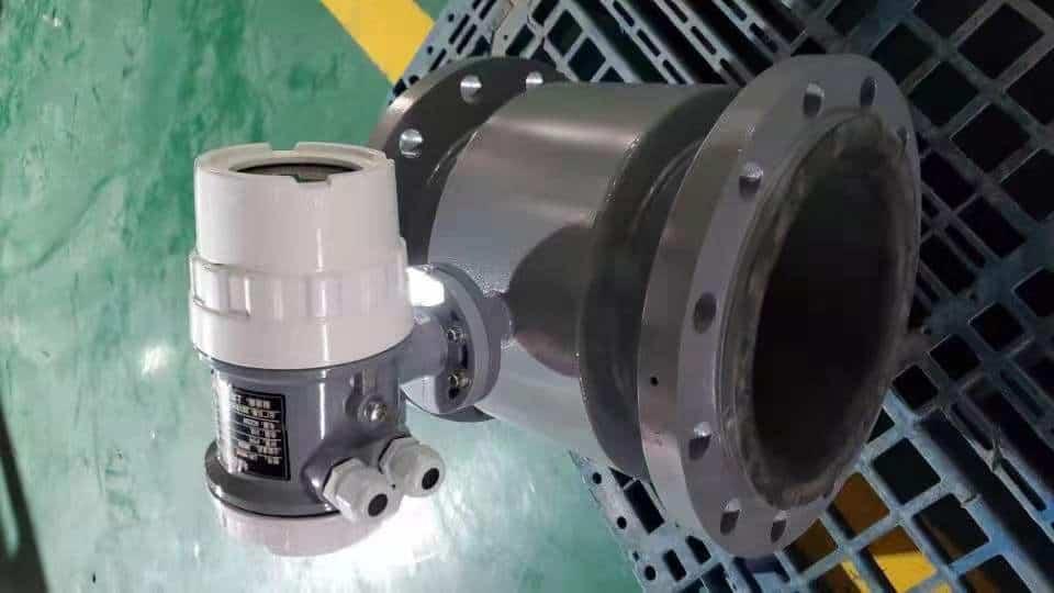 Magnetic flow meter detail 4