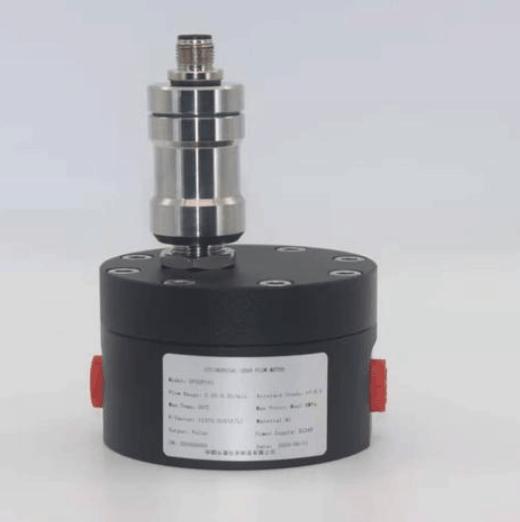 Gear flow meter to measure micro flow