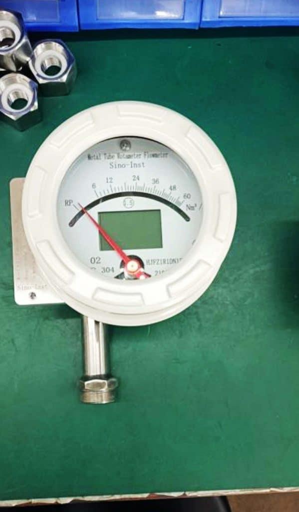 Metal tube rotameter with transmitter 3
