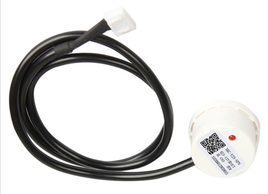 Non contact capacitive water level sensor
