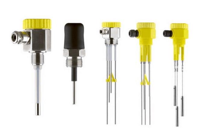 Electrode type liquid level switch